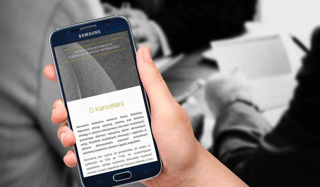 Strona notariuszkatowice.eu na telefonie